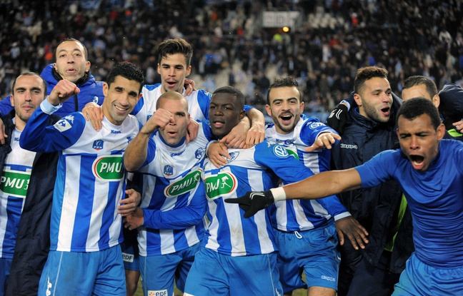 648x415_grenoble-s-players-celebrate-after-winning-the-french-cup-round-of-32-football-match-between